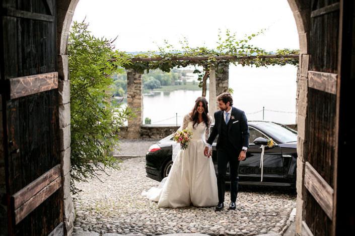 Matrimonio Rocca di Angera arrivo degli sposi