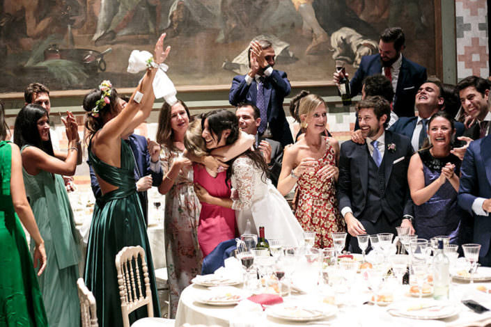 Matrimonio Rocca di Angera foto spontanea ospiti
