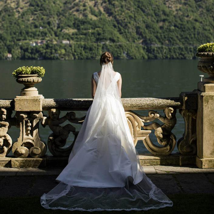 Sposa di spalle Lago di Como