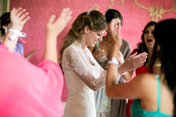 Sposa festeggia con le amiche