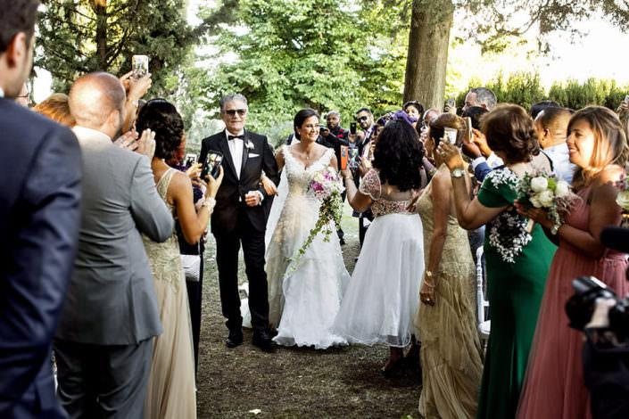 Villa i Collazzi ingresso sposa matrimonio