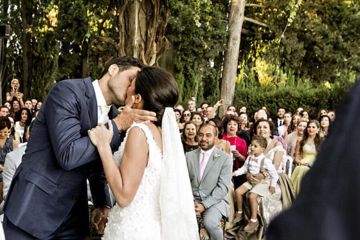 Villa i Collazzi bacio sposi cerimonia