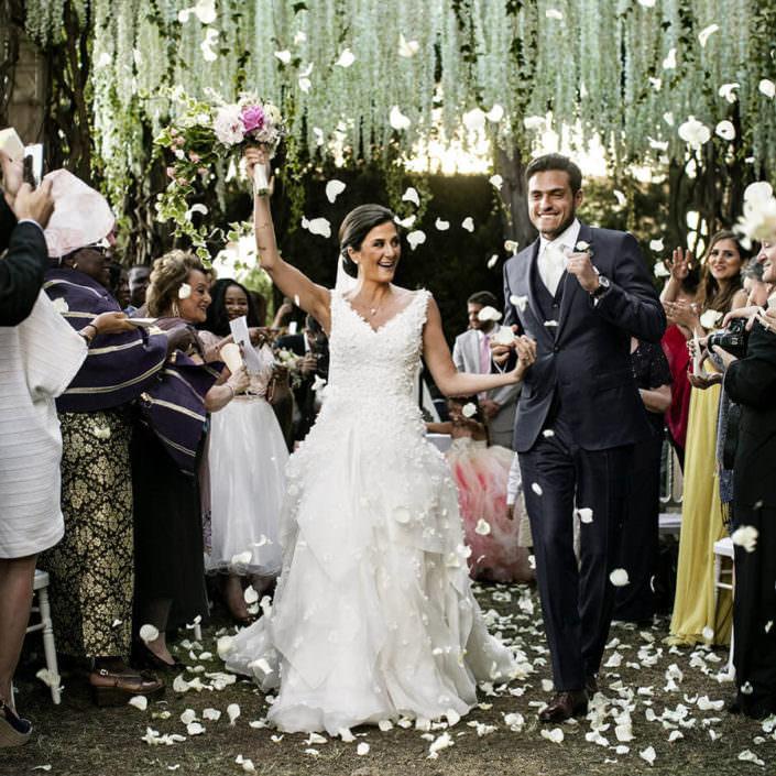 Villa i Collazzi lancio dei petali a fine cerimonia