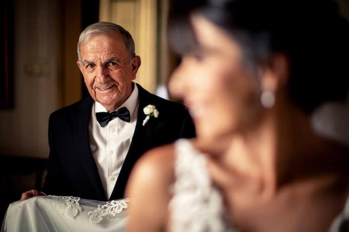 dettaglio sposa e padre