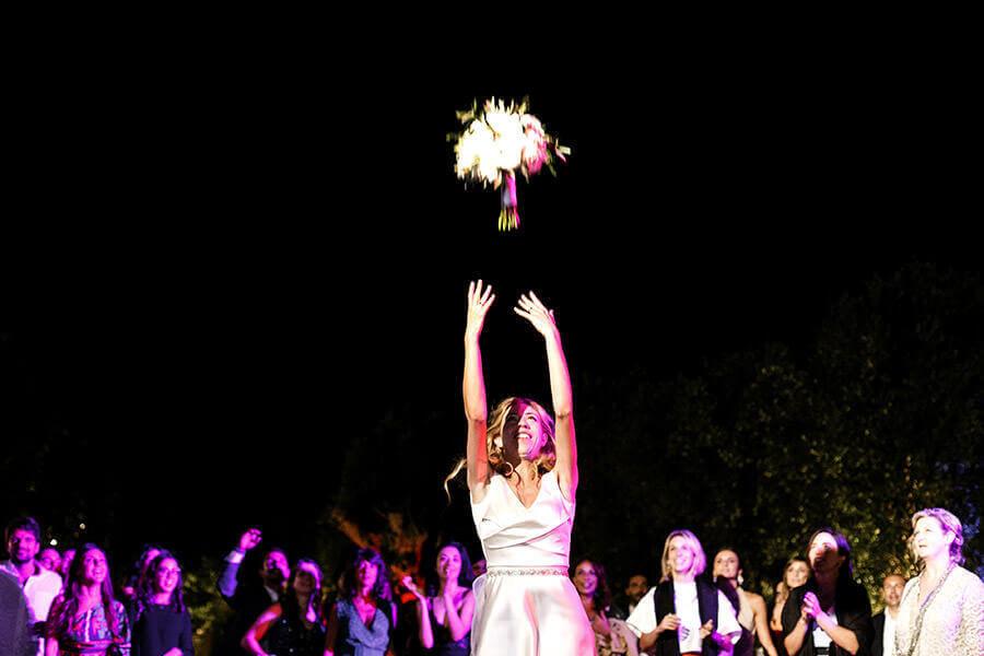 Fotografo Matrimonio Firenze lancio del bouquet